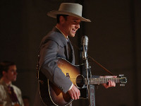Tom Hiddleston plays Hank Williams